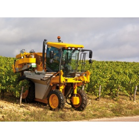 g4-210-machine-vendanger-vigne-etroite
